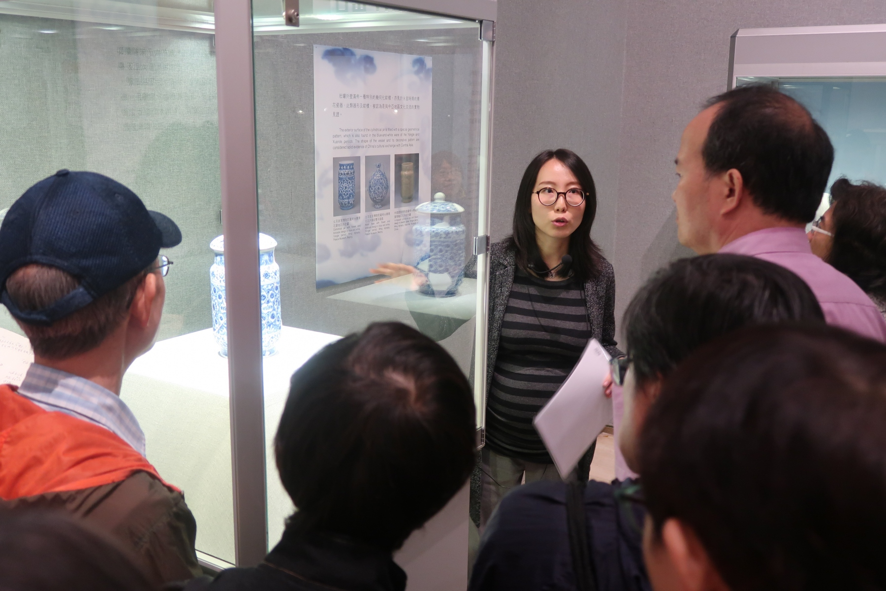 Photos_Academic-programmes_Curator-Tour-Lecture_IMG_7366
